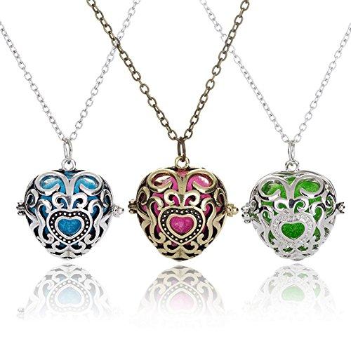 3 pcs Antique Heart Pendant Necklace Aromatherapy Essential Oil Diffuser Necklace for Lady Antique Heart Pendant