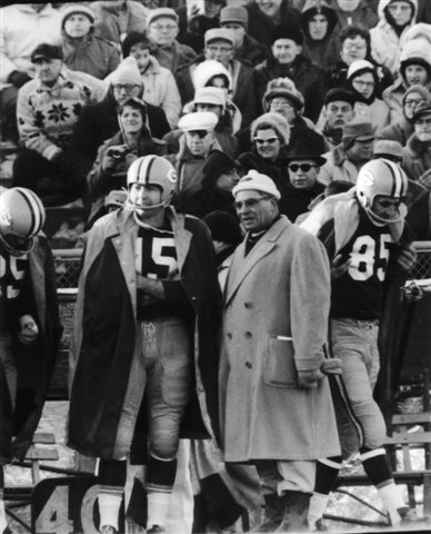 BART STARR /& VINCE LOMBARDI GREEN BAY PACKERS 8X10 SPORTS ACTION PHOTO
