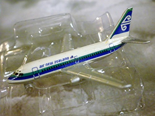 air-new-zealand-airlines-boeing-737-200-jet-plane-1600-scale-die-cast-plane-made-in-germany-by-schab