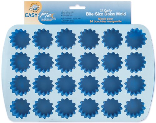 Wilton 2105-4889 Easy Flex Silicone 24-Cavity Bite Daisy