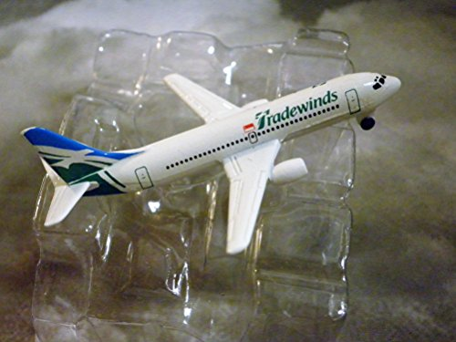tradewinds-singapore-airline-boeing-737-300-jet-plane-1600-scale-die-cast-plane-made-in-germany-by-s