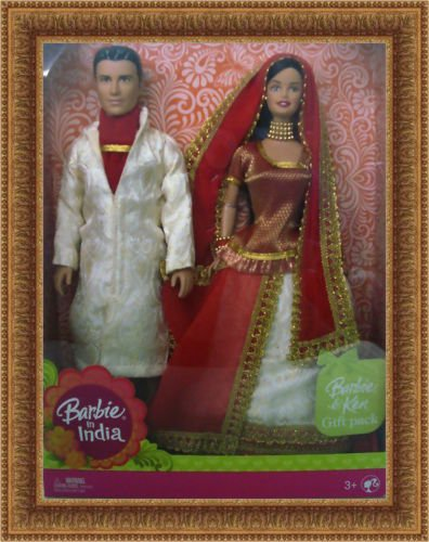 Barbie in India Barbie & Ken Gift Pack Dressed in Traditional India Attire]()