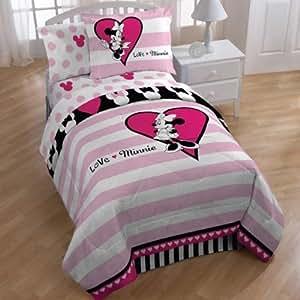 Amazon Com Disney Minnie Mouse Reversible Comforter And