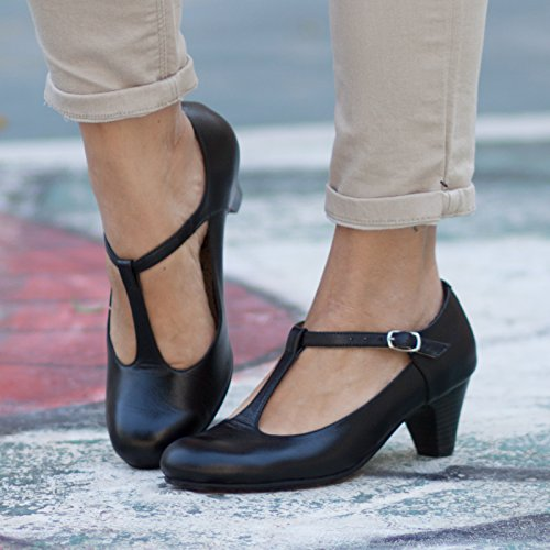 Black Handmade Leather Women's Pumps by Bangi Shoes