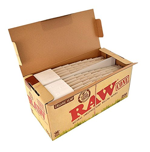 Raw King Organic Pre-Rolled Cones 800ct w/ a TSC Sticker by RAW (Image #1)