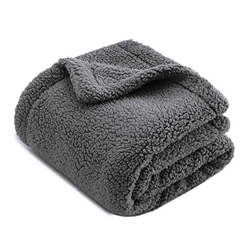 """CHEE RAY Autumn Winter Extra Thick Washable Snugly Sherpa Fleece Bed Blanket for Dogs and Cats, Durable Warm Fluffy Throw fit Beds/Couch/Sofa/Kennel/Carrier, Grey (30"""" x 25"""")"""