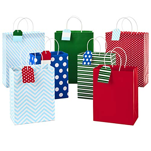 Hallmark Christmas Assorted Gift Bag Bundle with Mix-n-Match Gift Tags, Festive Patterns (Pack of 7 Gift Bags: 3 Large 13″, 4 Medium 9″; 7 Gift Tags)