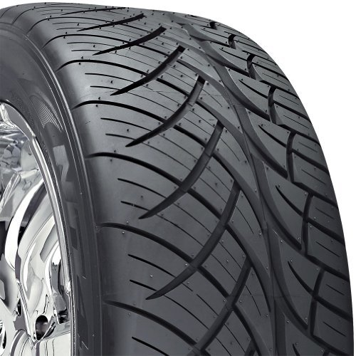 Nitto Series NT 420S) 285-45-22 Radial Tire