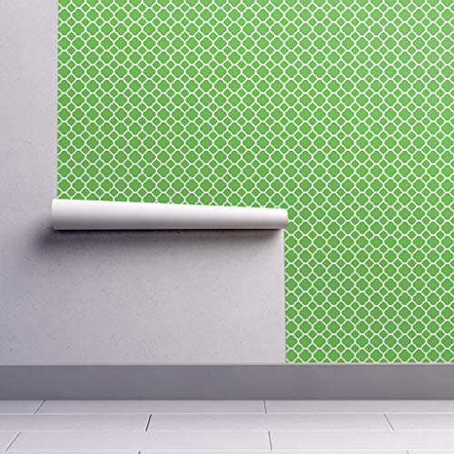 Peel-and-Stick Removable Wallpaper - Kelly Green Preppy Kelly Green Quatrefoil White Preppy Modern by Sweetzoeshop - 12in x 24in Woven Textured Peel-and-Stick Removable Wallpaper Test Swatch (Preppy Wallpaper)