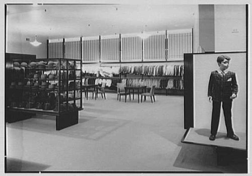 Photo: De Pinna,business at 5th Ave.,52nd St.,New York City. Second floor boys' - New York Ave 5th