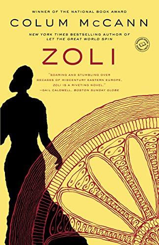 Zoli: A Novel]()