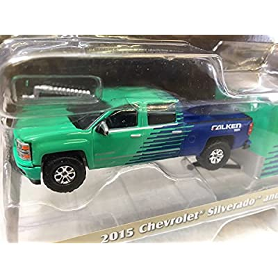 Greenlight 1:64 Hitch Tow 11 2015 Chevrolet Silverado and Enclosed Car Hauler: Toys & Games
