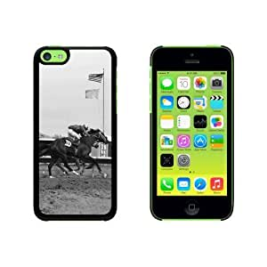 At the Track - Horse Racing Snap On Hard Protective For Ipod Touch 4 Phone Case Cover - Black