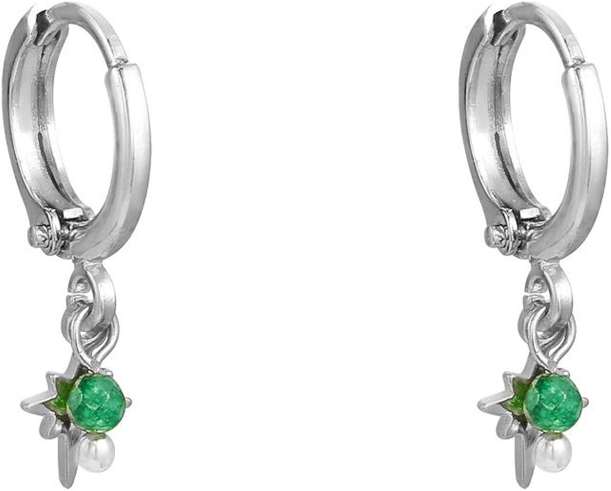 Pendientes de aro bañados en oro de 18 quilates con pequeño colgante – Mini Green Stone y Universe Star – Bisutería en diseño premium – Pendientes Miss Charming