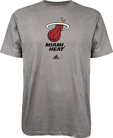 Amazon.com: Adidas NBA - Camiseta de manga corta, diseño de ...