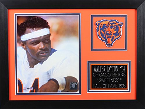 (Walter Payton Framed 8x10 Chicago Bears Photo (WP-P2B) )