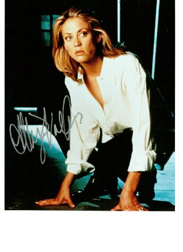 Ally Walker 8 X 10 Celebrity Photo Autograph