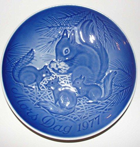 B & G 1977 Mother's Day Plate (Squirrels), Copenhagen Blue Porcelain -