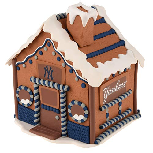 Gingerbread Collectibles - New York Yankees 2015 Gingerbread House