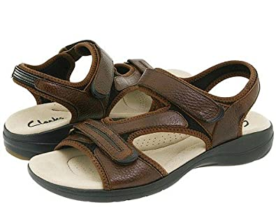 f035dd62e609 Clarks Rise Womens Brown Narrow Sports Sandals Shoes Size New Display UK 5.5