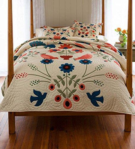 Ansley Folk Art Full/Queen Quilt Set in Cream