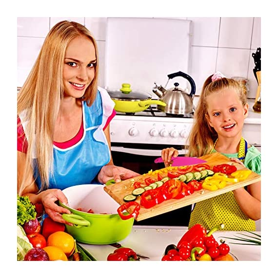 Jovitec 8 Pieces Kid Plastic Kitchen Knife Set, Children's Safe Cooking Chef Nylon Knives for Fruit, Bread, Cake, Salad, Lettuce Knife 2 Versatile kitchen tools for kids: this nylon knife set contains 5 pieces square knife, 3 pieces cusp shape knife, has different beautiful and bright colors Wide usage: knife can safely cut many types of fruit, lettuce, vegetables, bread, cheese, cake, carrots, zucchini, strawberries and more Characteristic: the nylon knife has serrated edges, this little chef set will help safeguard fingers from the dangers and risks of peaked metal knives