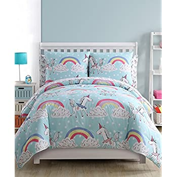 Amazon Com Rainbow Unicorn 7 Piece Full Size Comforter