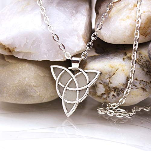 Davitu New Celtic Trinity Necklace Flower of Life Pendant Flower of Life Sacred Geometry Necklace Glow in The Dark Night for Yours Metal Color: YG0602