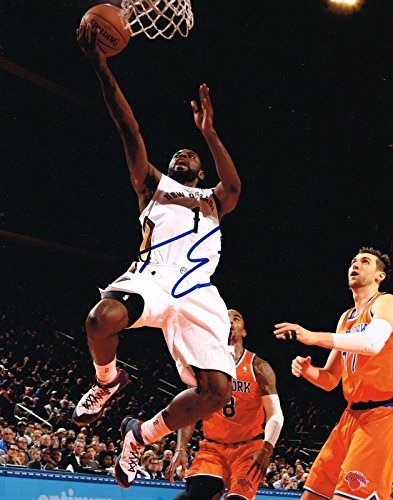 Tyreke Evans Signed Photo - HORNETS 11X14 COA - Autographed NBA Photos (Tyreke Photo Evans)