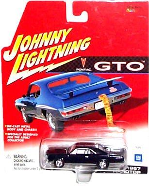 1967 Pontiac Gto Hardtop (Johnny Lightning - Pontiac 75th Anniversary - Pontiac GTO Series - 1967 Hardtop (Black))