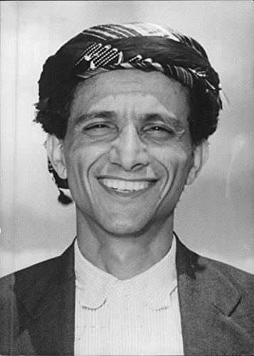 Vintage Photo Of A Smiling Portrait Of Amir Jabil Bin Hussein Al Audhali