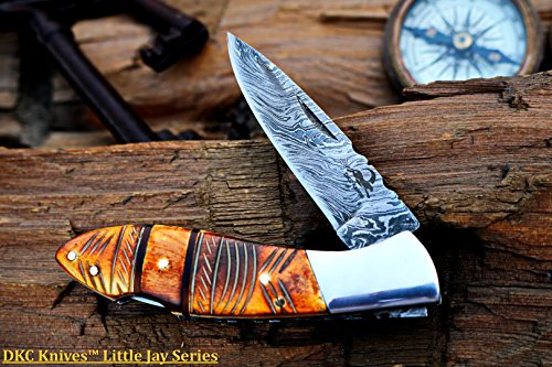 """DKC Knives (1 5/18) SALE DKC-58-LJ-EH LITTLE JAY Damascus Folding Pocket Knife Etched Horn Handle 4"""" Folded 7"""" Long 4.7oz oz High Class Looks Incredible Hand Made LJ-Series"""