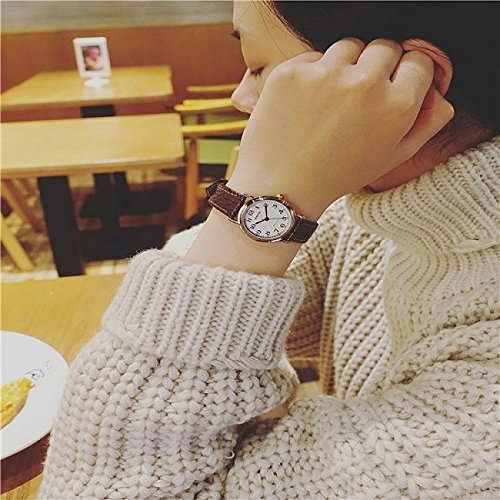 Generic students _of Korean_style_of Small_Mini_ watch es women girl _simple trendy_ fashion retro women girl _jacket_with_wild_genuine_ quartz watch
