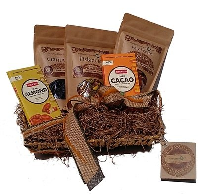 "Organic Nuts and Superfoods Gift Basket ""Premium Health"""