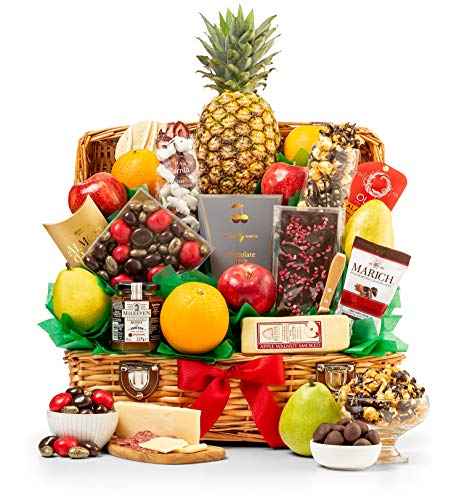 - GiftTree Taste of Extravagance Fruit Basket | Fresh Pineapple, Oranges, Pears & Apples | Includes Irish Honey, Spicy Sausage, Chocolate Caramel Popcorn, Apple Walnut Cheese & More | Great Holiday Gift