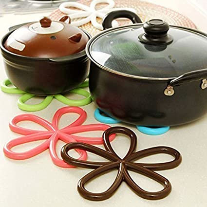Baskey 5 Pcs Set Anti-Slip Heat Pad Insulated Kitchen Placemats Insulation Mats (Multicolour)