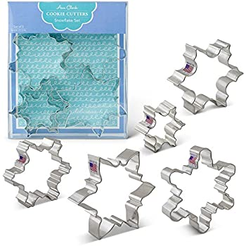 "Snowflake Cookie Cutters - 5 Piece Boxed Set - 2 1/2"", 3 1/2"", 4"", 4 1/4"", 4 1/2"" - Ann Clark - US Tin Plated Steel"
