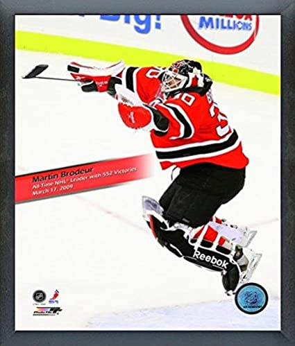 Amazon Com Martin Brodeur New Jersey Devils Nhl 552 Wins Action
