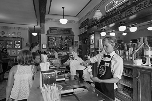 Vintography 8 x 12 Black White Photo Scoopers at Work in The Pearl Ice Cream Parlor Confectionary in The Mississippi River Port La Crosse, Wisconsin 2016 Highsmith 58a