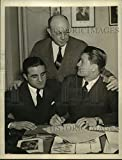 Historic Images - 1940 Vintage Press Photo Lou Salica signed contract for match against Tommy Forte