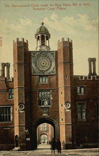 (Hampton Court Palace - Astronomical Clock London, England Original Vintage Postcard)