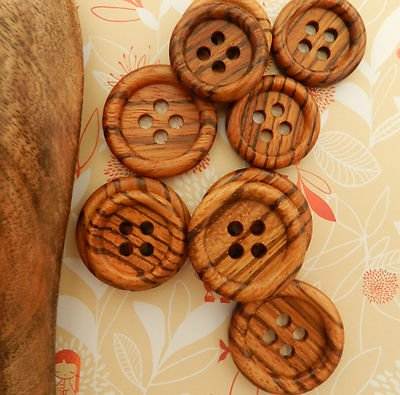 Always Knitting And Sewing 5 Gorgeous Large Round Wooden Buttons 4 Holes, 35mm Size 54
