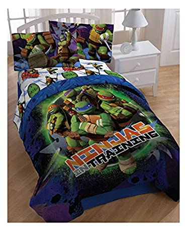 Nickelodeon Teenage Mutant Ninja Turtles Reversible Comforter Set with Shams, Full
