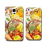 Verduras frescas en cesta en el supermercado Funda protectora para móvil Samsung S6