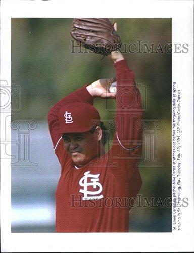 (1994 Press Photo Michael Irvin Perez Mike Ortega St. Louis Cardinals Pitcher)