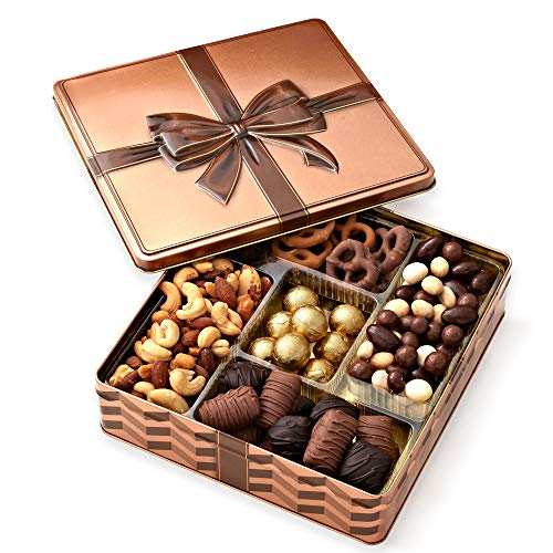 (Chocolate and Nuts Gourmet Gift Basket Prime – Christmas Holiday and All Occasions - Assortment Tray - Corporate Food Gifts, Sympathy, Birthday or Get Well - Gifts for Men & Women - Bonnie & Pop)