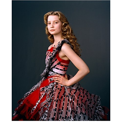Alice in Wonderland Mia Wasikowska in red dress with heart detail 8 x 10 Inch -