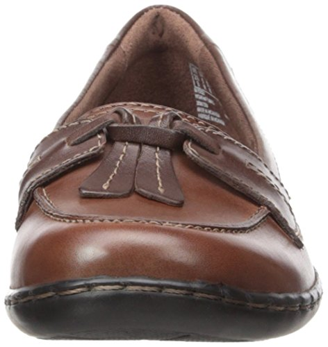 Clarks Ashland burbuja del dedo del pie Moc holgazán de cuero Brown Leather