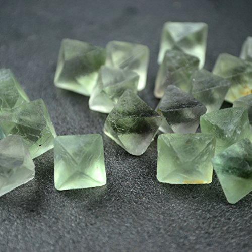 10 Pcs Green Fluorite Octahedron Undrilled, Healing Crystals and Stones, Fluorspar, Fluorite to wire wrap, Natural Stones & Minerals