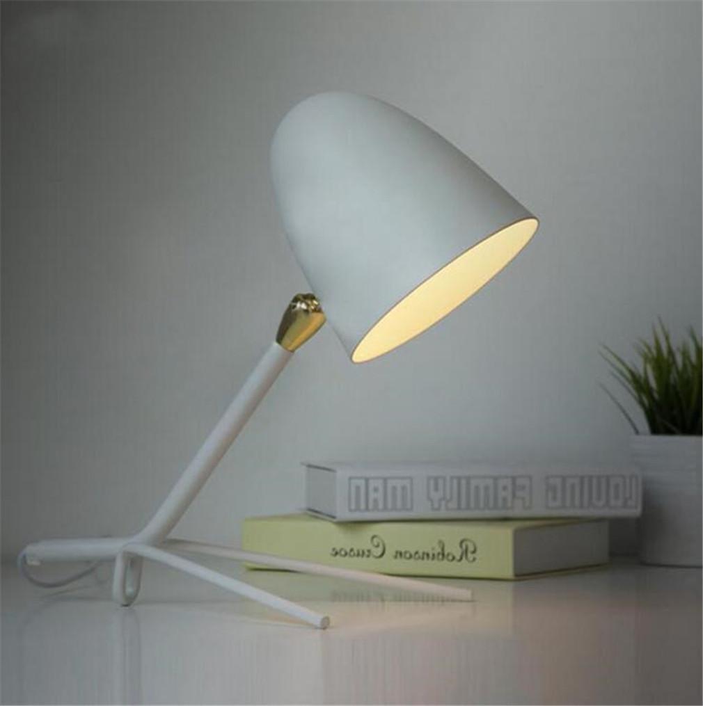 ELEGENCE-Z Tischlampe Nordic LED Einfache Amerikanische Studie Lernen Dekoration Persönlichkeit Retro Schlafzimmer Nachttischlampe Schwarz Weiß Geschenk, Weiß
